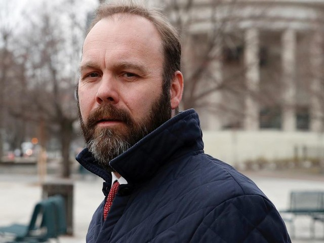 Former Trump aide Rick Gates to plead guilty; to testify against Manafort, sources say - LA Times
