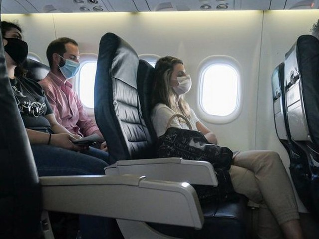 Holidaymakers travelling to France warned over strict face mask rules