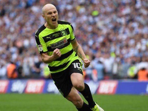 Huddersfield Town sign Aaron Mooy in club record deal; David Wagner pens new contract