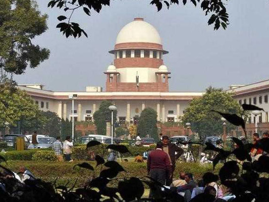 Apex Court Examines Parsi Personal Law, Seeks Centre's Reply