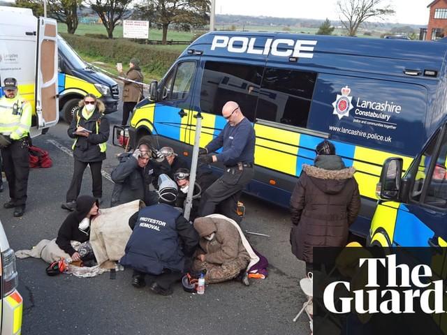 Fracking protesters blockade site where UK work due to restart