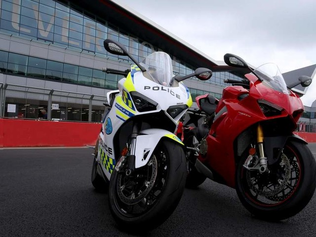 Ducati Panigale V4 in police livery on loan for BikeSafe project