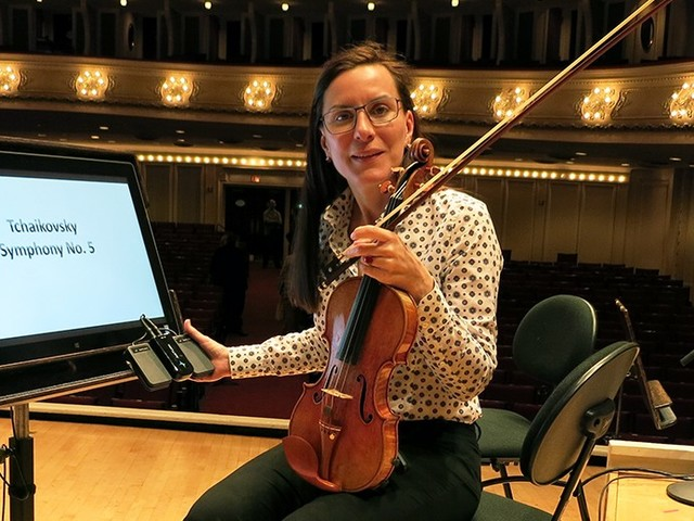 UK orchestras in headlong rush for electronic notes