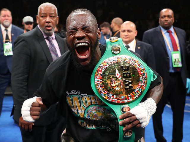 Deontay Wilder downs Dominic Breazeale with devastating first round knockout to retain WBC heavyweight title