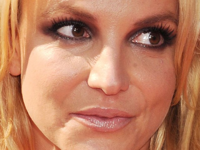 Britney Spears Calls Out Her Father, Sister in Instagram Posts