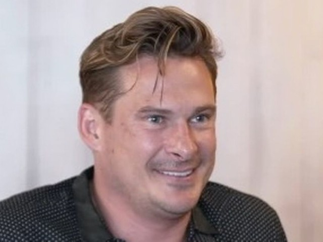 Celebs Go Dating's Lee Ryan 'catfished' by date who 'looks nothing like photo'