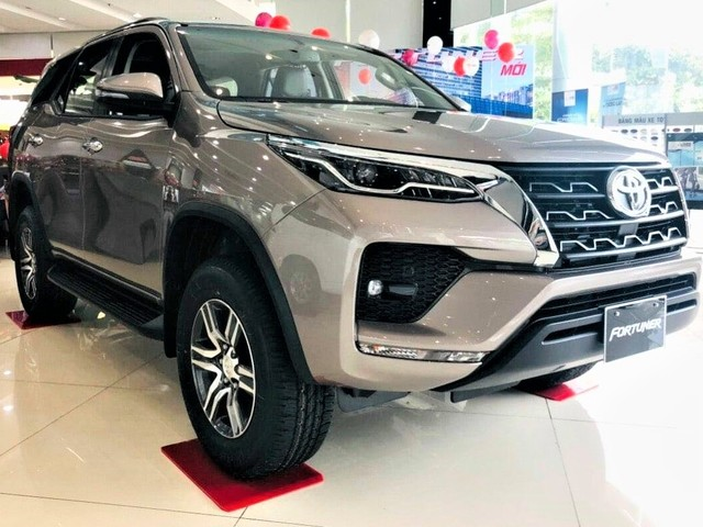 Toyota Fortuner, Innova Crysta, Camry prices hiked