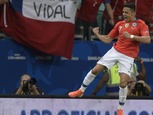 VIDEO: Sanchez scores winner for Chile