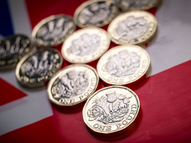 Pounds falls to lowest level in 27 months amid no-deal panic