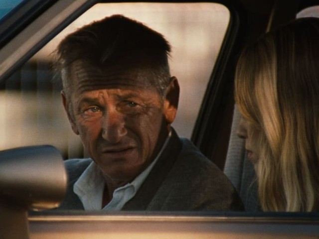 'Flag Day' Film Review: Sean Penn Directs His Daughter in Rocky Family Drama