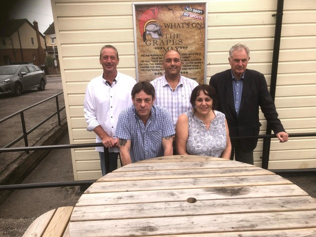 The Grapes pub raises £525 for Gurkha memorial bench appeal