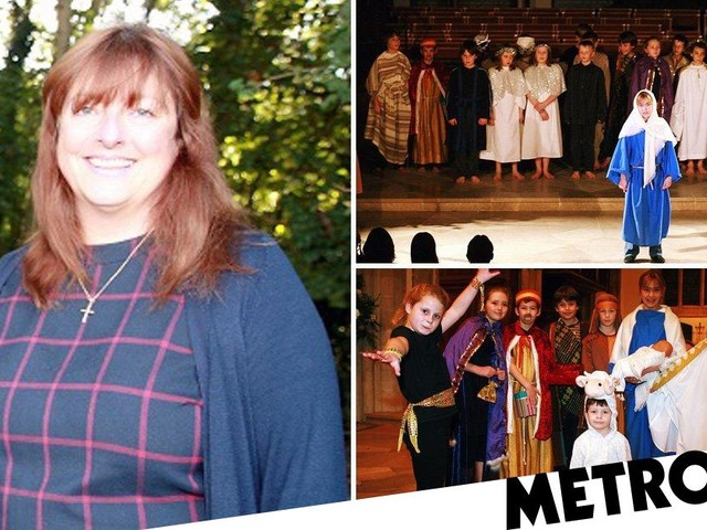 Pupils 'forced to pick favourite parent' to watch nativity due to lack of space