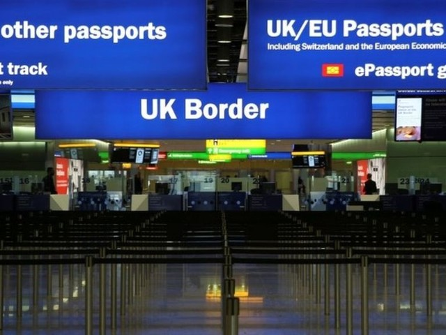 Brexit: UK looks to keep visa-free travel from EU