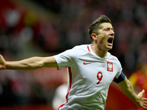 Poland head to World Cup, perfection for Germany