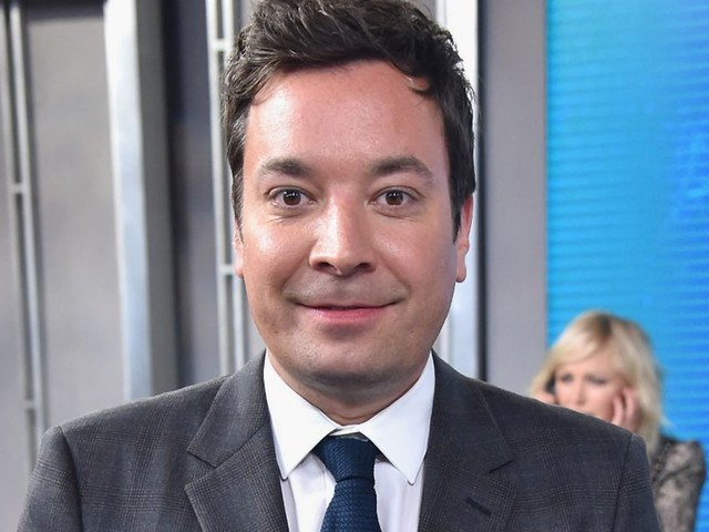 Jimmy Fallon apologises for wearing blackface in TV sketch 20 years ago