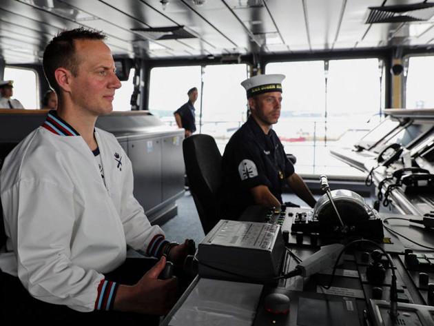 Royal Navy's new £3.5bn aircraft carrier runs on Windows XP