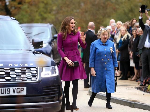Kate Middleton recycles purple Oscar de la Renta outfit for the third time
