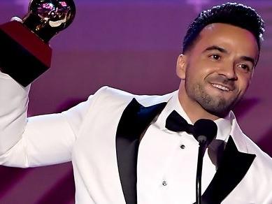 2017 Latin GRAMMY Awards: Big Night for 'Despacito,' Shakira, Salsa, Mon Laferte & More