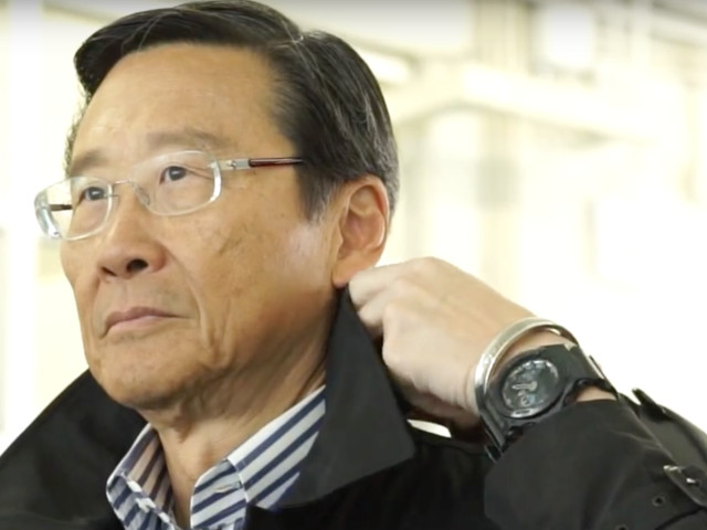 One of the richest people in Hong Kong has lost $1 billion over the course of the 10-week protests, and now he's joining the chorus of wealthy citizens calling for the protests to end