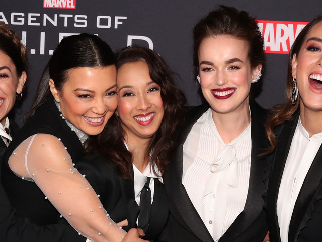 Chloe Bennet & Co-Stars Celebrate 'Agents of S.H.I.E.L.D' 100th Episode!