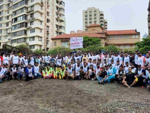 Royal Enfield Initiates Beach Cleaning Drive In Mumbai