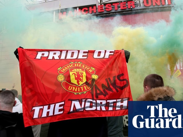 Manchester United fans invade Old Trafford pitch during Glazer-out protests