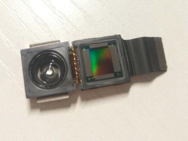 Photo Emerges of Alleged 'iPhone 8' 3D Sensing Camera Module