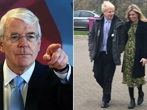 Sir John Major and Boris Johnson trade blows over Theresa May's Brexit deal