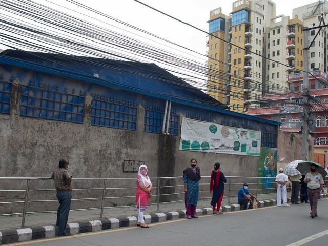 Nepal resumes vaccination campaign after China donates doses