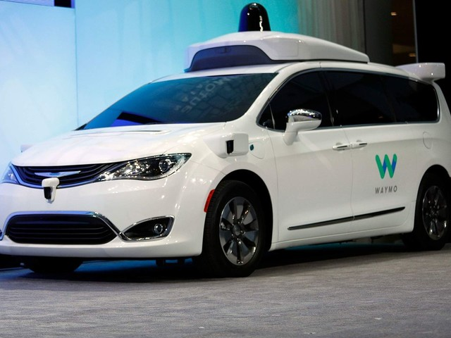 Waymo Hires Ex-Tesla Engineer to Lead Self-Driving Hardware - Bloomberg