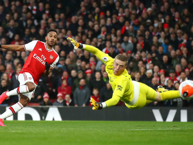 Aubameyang wanted: Man Utd, Barcelona and PSG all interested in Arsenal star