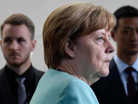 Merkel takes aim at U.S. 'winners and losers' foreign policy before G20