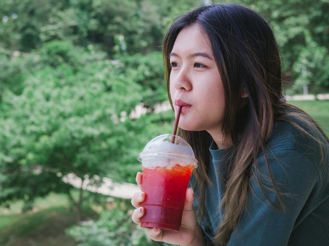 There's even more evidence that drinking lots of soda and sugar-filled coffee could lead to an early death