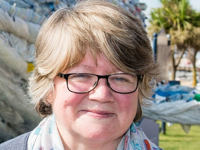 Universal Credit fears as new DWP boss Therese Coffey attacked over welfare rights record