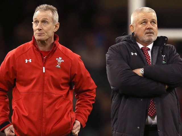 Sir Clive Woodward backs Gatland and says Rob Howley scandal could bring squad closer together