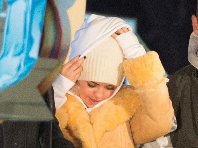 Selena Gomez Bundles Up For Winter Wonderland