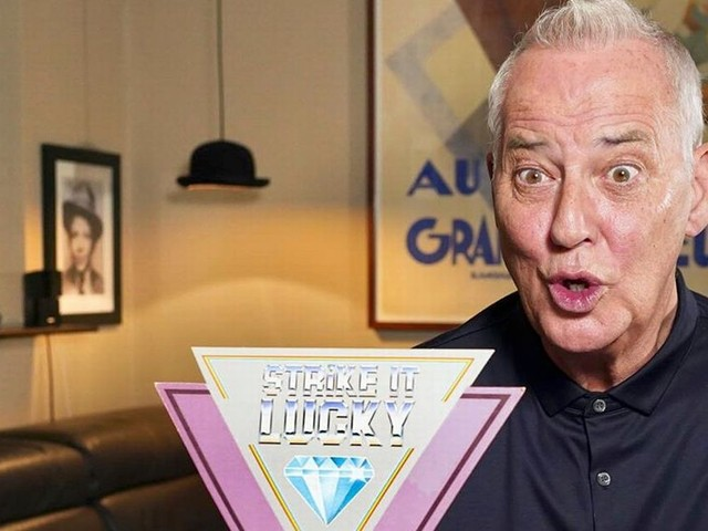 Michael Barrymore's online remake of Strike It Lucky flops with just 152 viewers