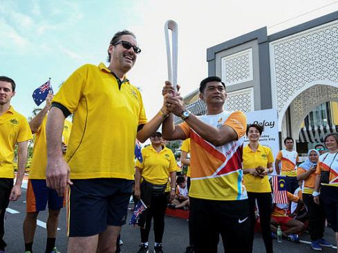 300 people join 2018 Commonwealth Games Baton Run