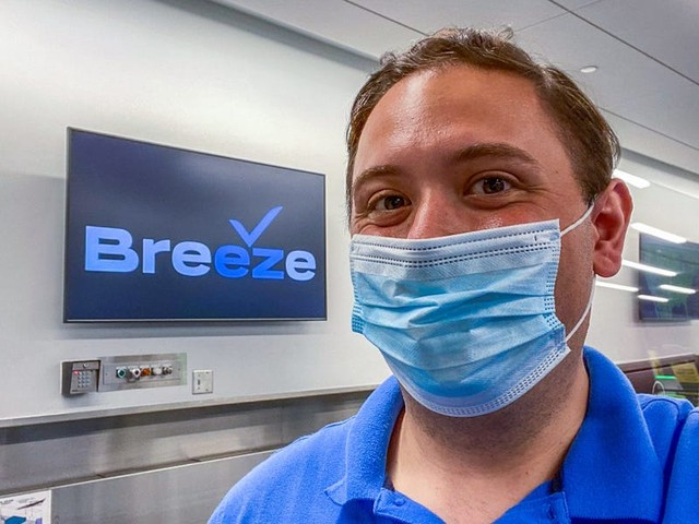 I flew on Breeze, the 'tech company that happens to fly airplanes' from JetBlue founder David Neeleman, and found it surprisingly low-tech