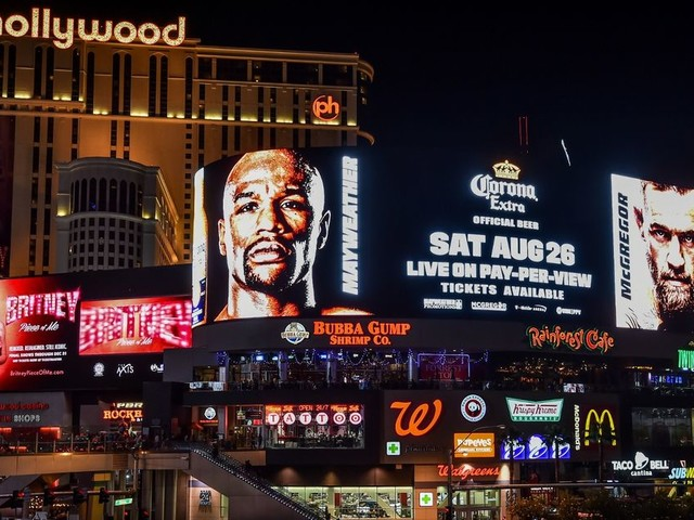 LIVE Floyd Mayweather vs Conor McGregor grand arrivals in Las Vegas as fight-week build-up begins