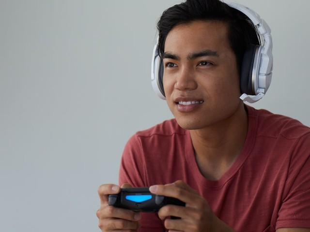 Turtle Beach's new $100 wireless gaming headset is a worthy follow-up to the company's bestselling first generation model