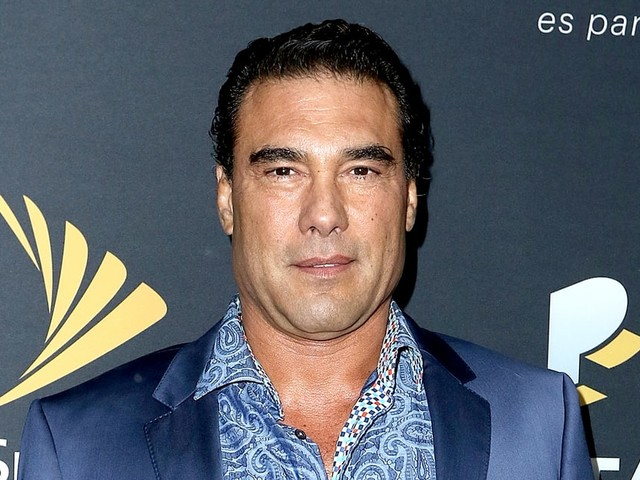 Mexican Soap Opera Star Eduardo Yanez Slaps Reporter During Red Carpet TV Interview