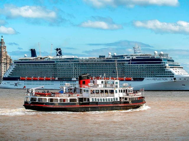 A day in the life of the Mersey - all the boats that come to Liverpool