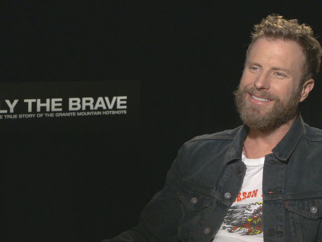 "Dierks Bentley on Writing the Song ""Hold the Light"" for 'Only The Brave'"