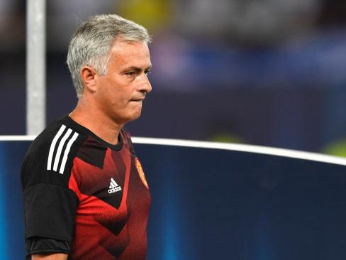 Mourinho backs early close to transfer window