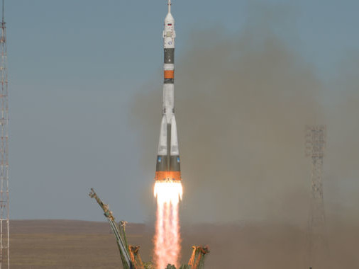 A Soyuz crew makes an emergency landing after rocket fails