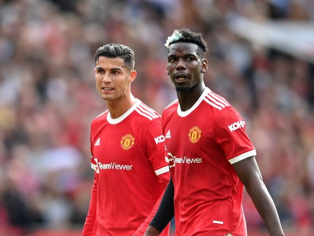 Manchester United told Cristiano Ronaldo could convince Paul Pogba to sign new contract