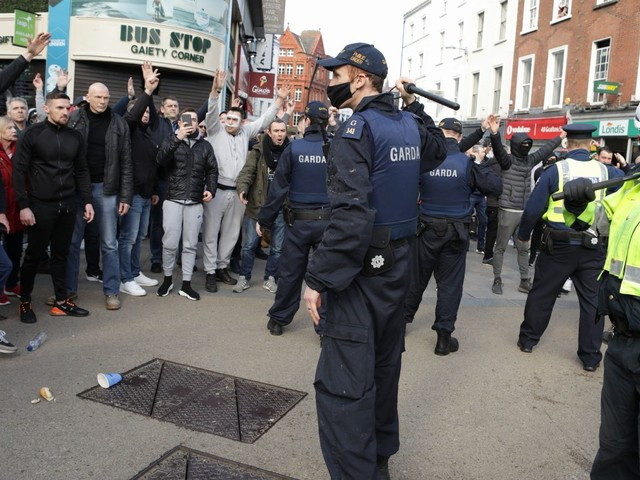 Arrests made after hundreds gather for anti-lockdown protests in Dublin