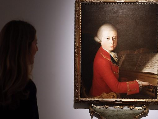 Surgeons should listen to Mozart 'because it makes them more accurate and faster'