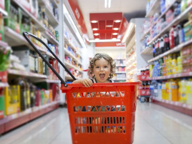 Shopping With Kids: Parents Share 7 Top Tips To Make It Easier